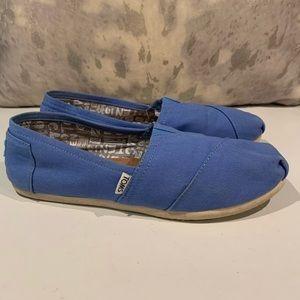 GORGEOUS CORNFLOWER BLUE SLIP ON TOMS SIZE 10